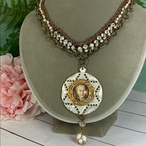 Adorned Crown French pendant shell necklace